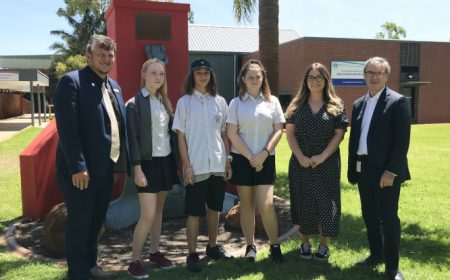 Hands-On-Scholarships-at-Rockingham-Senior-High-School