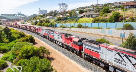 MiningServices_Koolyanobbing-Train-into-Esperance-Port_HiRes-01