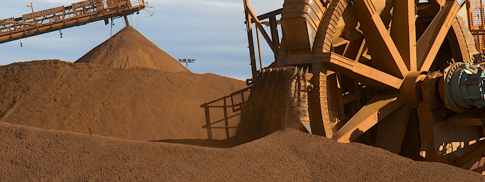 Iron Valley_Iron Ore 1400x600px